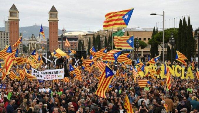 Глава МВД Испании взял на себя руководство полицией Каталонии
