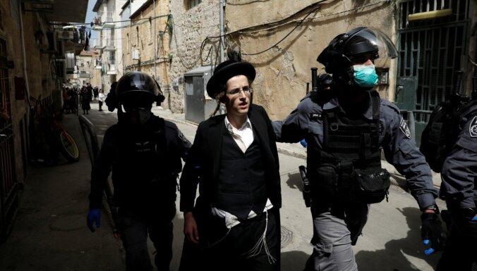Covid-19: Izraēlas ultraortodoksāļi nepakļaujas karantīnas režīmam