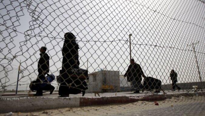 Ēģipte pastiprina apsardzi uz robežas ar Lībiju