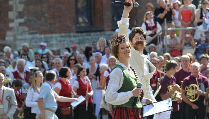 Фоторепортаж: в Вецриге выступили духовые оркестры со всей Латвии