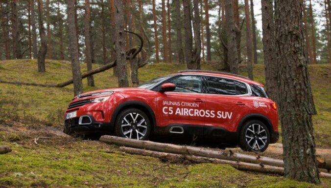 Foto: Rīgā prezentēts 'Citroën' apvidus auto 'C5 Aircross'