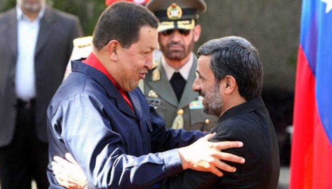 Чавес: никогда не встанем на колени перед янки