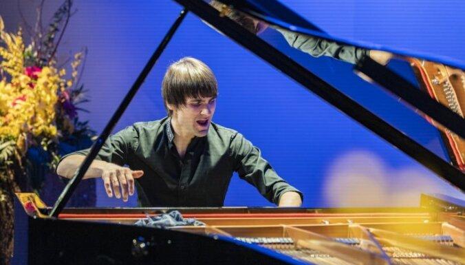 Foto: Ar spožiem koncertiem izskanējis 27. Liepājas Starptautiskais zvaigžņu festivāls