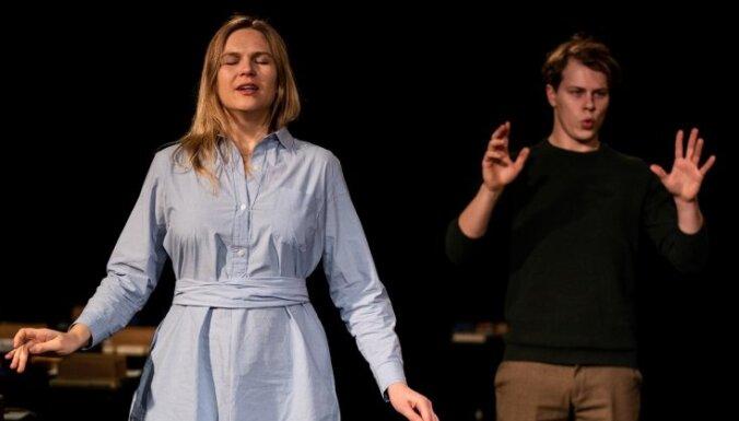 'Dirty Deal Teatro' notiks pirmizrāde sajūtu teātra izrādei 'Piramīda'