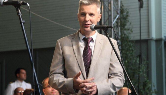 Пабрикс: возможно, драки с военными НАТО спровоцировали специально
