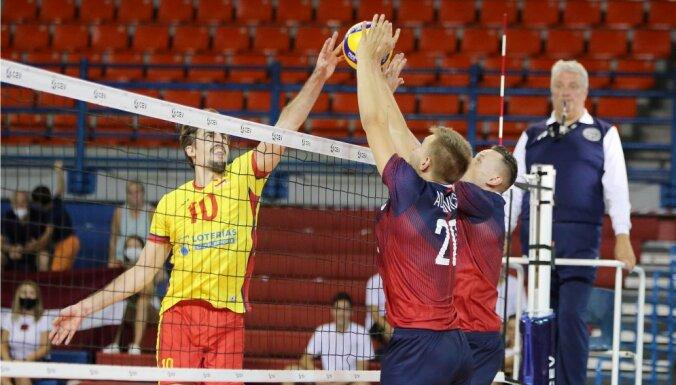 Latvijas volejbolisti kvalifikācijas turnīrā vēlreiz zaudē Spānijai