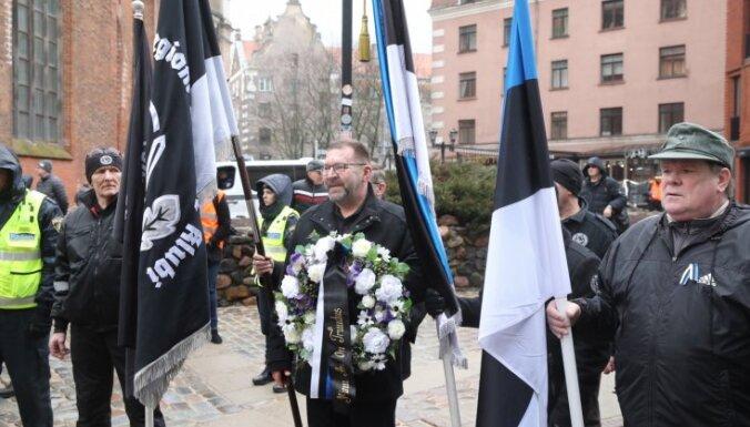 ВИДЕО: На мероприятия памяти латышских легионеров в Риге собралось более 1000 человек
