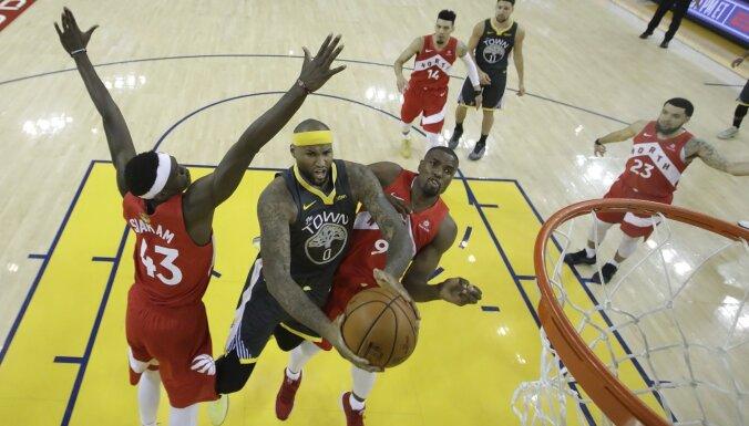 Toronto 'Raptors' nonāk vairs tikai uzvaras attālumā pirmā NBA čempiontitula