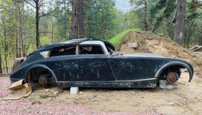 ФОТО: В лесу под Киевом нашли легендарный ретро-автомобиль Maybach