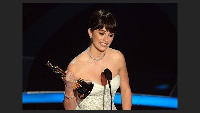 Tekstu iekalšana bez izpratnes un pirmā spāņu aktrise ar 'Oskaru': dieviete Penelope Krusa