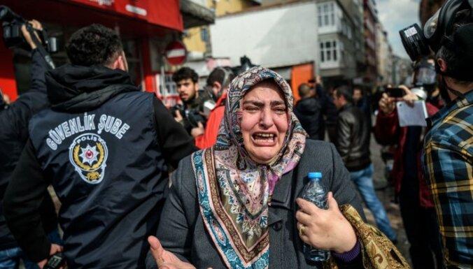 Турция задержала почти две тысячи беженцев вскоре после заключения сделки с Евросоюзом