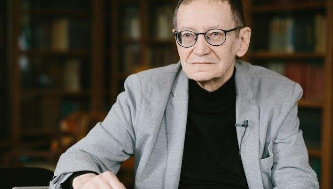 """Поэт Рокпелнис: надоело быть """"единственным чекистом в Латвии"""""""
