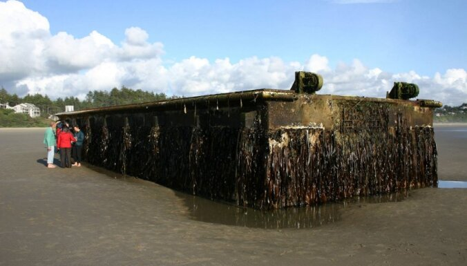 К берегам США прибило 165-тонный пирс из Японии