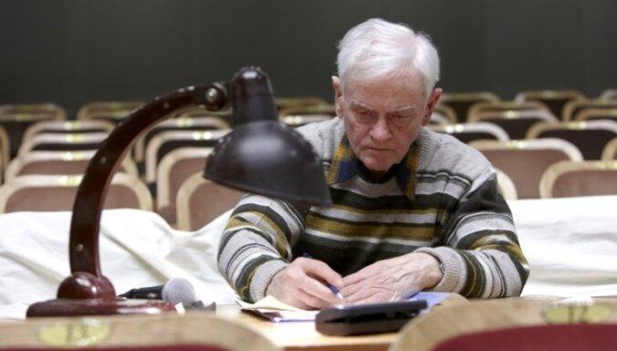 Mūžībā aizgājis Rīgas Krievu teātra režisors Leonīds Beļavskis
