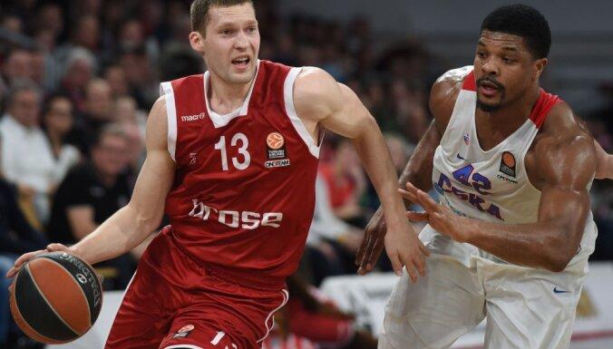 Bamberg Janis Strelnieks, CSKA Kyle Hines