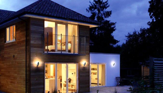 Kā izvēlēties piemērotāko apgaismojumu mājoklim