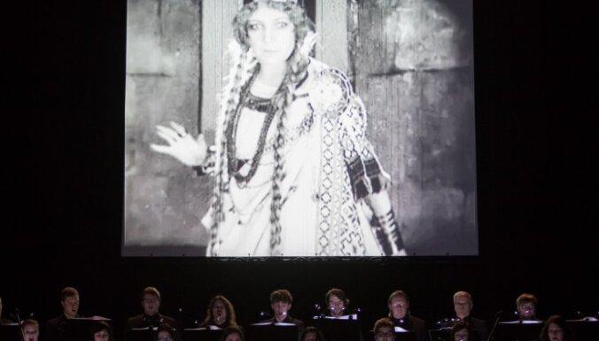 Foto: Latvijas Radio koris jubileju atzīmē ar videostāstu 'Lāčplēsis'