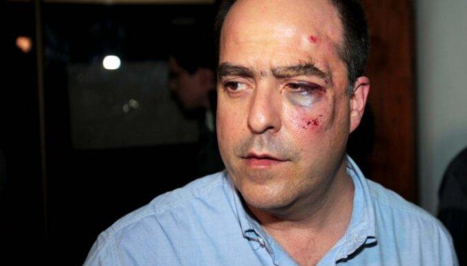 Venecuēlas parlamentā sakāvušies politiķi