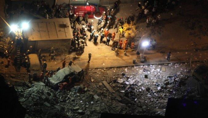 Daudzstāvu ēku sagrūšana Riodežaneiro: šobrīd 17 bojāgājušie un 22 pazudušie