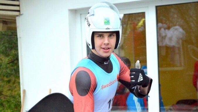 Kamaniņu braucējs Aparjods kļūst par pasaules junioru čempionu