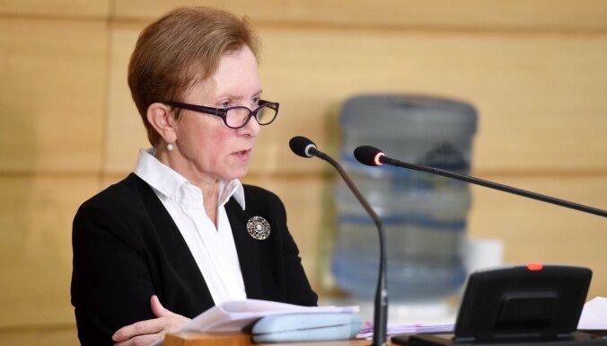Rīgas domes Finanšu departamenta direktore Tiknuse atstās amatu