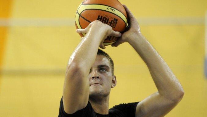 Freimanim astoņi punkti 'Muratbey' zaudētā Turcijas čempionāta spēlē