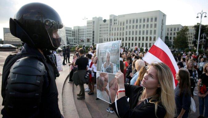 'Režīms zina, ka mirst': Tihanovska aicina drošībniekus pāriet tautas pusē