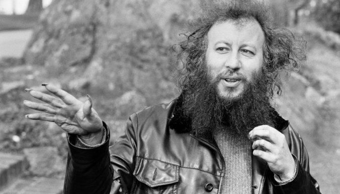 73 gadu vecumā miris 'Fleetwood Mac' dibinātājs Pīters Grīns
