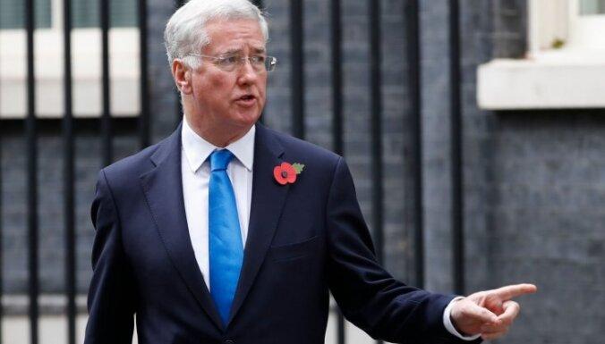 Министр обороны Великобритании подал в отставку