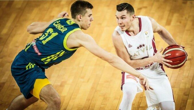 Blūma un Bertāna spārnota Latvijas izlase atspēlējas un pārspēj Slovēniju