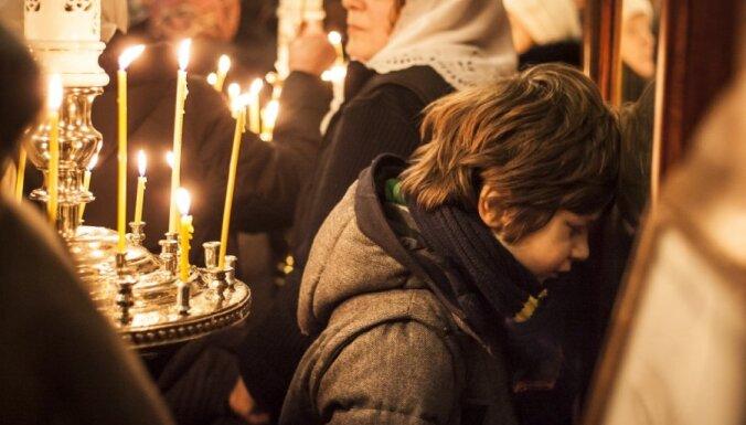 ЛПЦ отказалась от массовых богослужений и не рекомендует прикладываться к иконам
