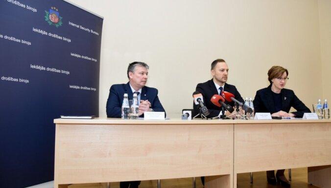 Aizturētie Latgales policisti, iespējams, nesankcionēti izmantojuši dienestam paredzētās ierīces