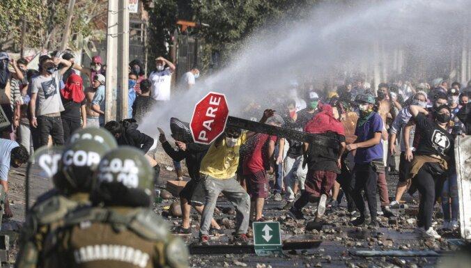 Foto: Čīlē izceļas protesti saistībā ar pārtikas trūkumu