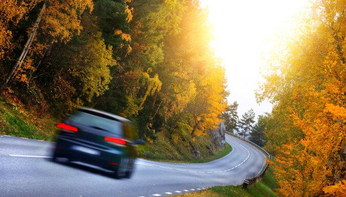 Uz ceļiem rudens – kam autovadītājiem jāpievērš uzmanība