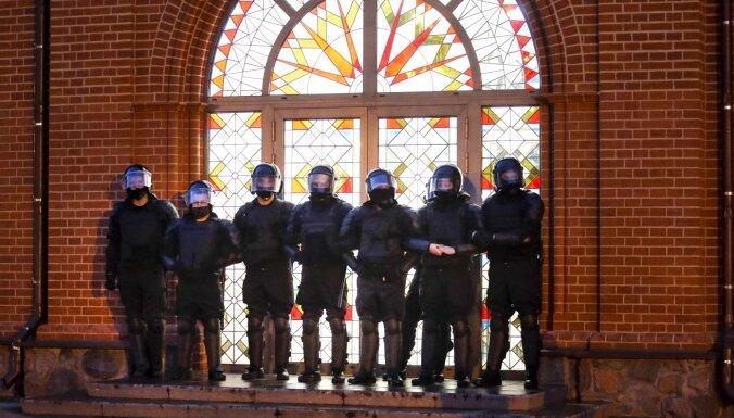 Der Spiegel: Белорусские силовики используют оружие ФРГ, хотя на его поставки наложено эмбарго