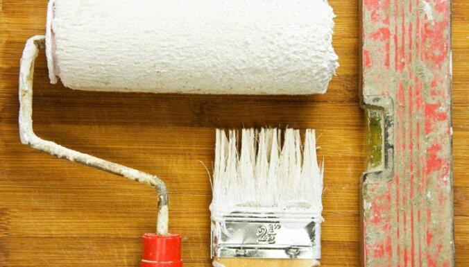 Kā iztīrīt krāsu otas un rullīšus pēc remontdarbiem?