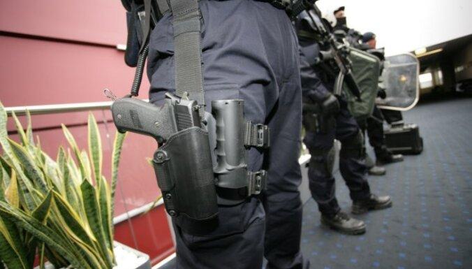 Jēkabpils traģēdijā apcietināto 'Alfas' darbinieku atbrīvo no dienesta