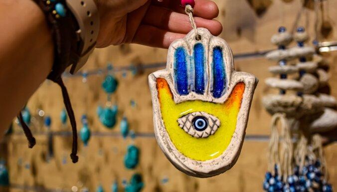 От злых глаз до священных сердец: как выглядят талисманы счастья в разных странах