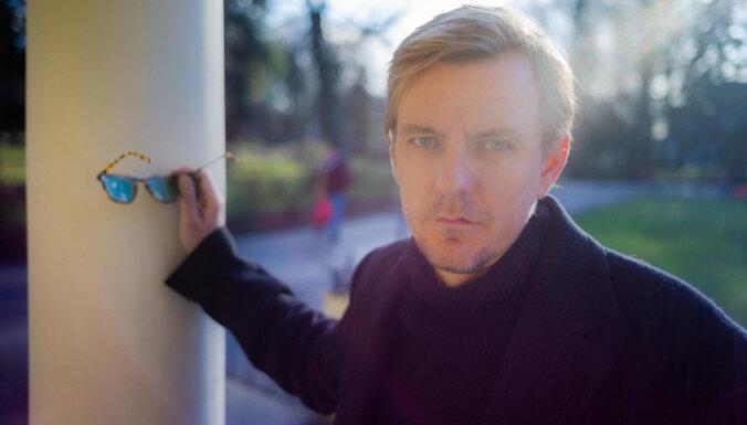 Режиссер Влад Наставшев: в Риге людей надо возбуждать, в Москве — успокаивать