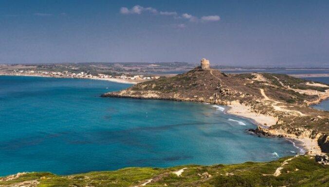 Leģenda par Sardīnijas radīšanu jeb Kāpēc salu sauc par sandali