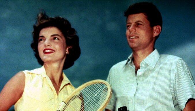 Плавки Кеннеди ушли с молотка за $5300, купальник Жаклин Кеннеди — за $1800