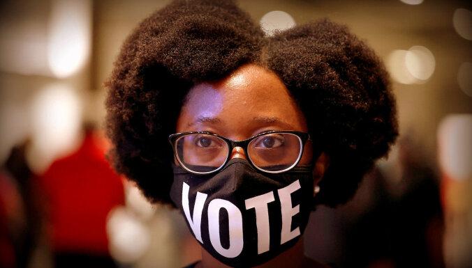ASV vēlē prezidentu: balsi atdevuši jau 97 miljoni
