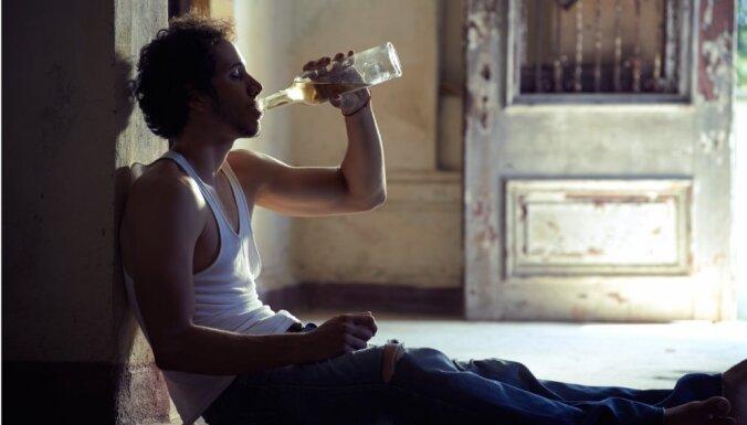 В Риге хотят запретить продажу спиртного в микрорайонах