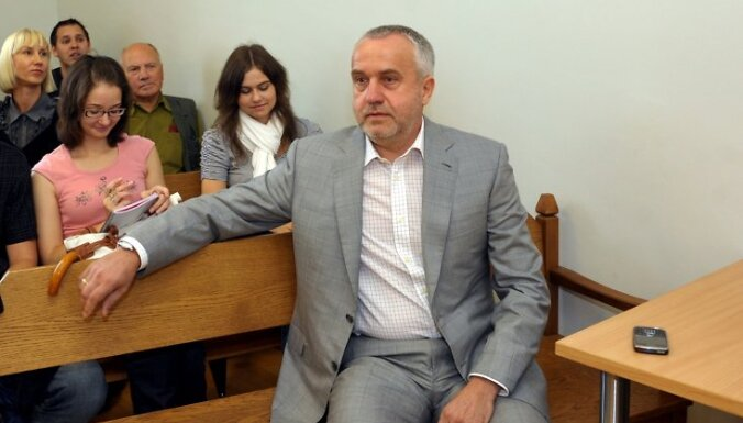 Суд отложил слушание Шкеле по делу о цифровом ТВ