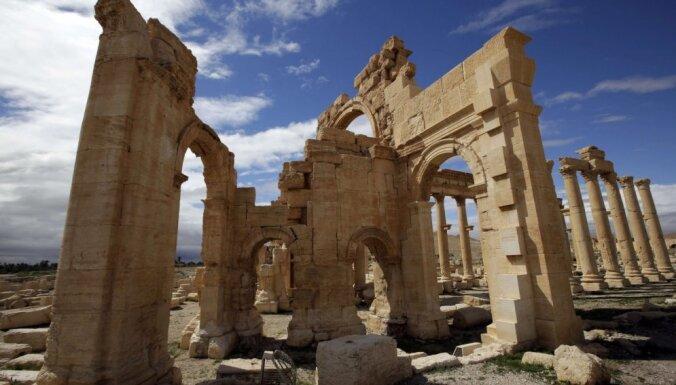Джихадисты из ИГ взорвали древний храм в Пальмире