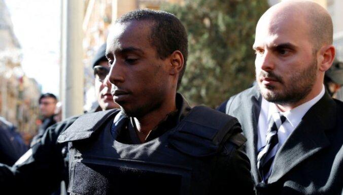Maltā sāk tiesāt Lībijas pasažieru lidmašīnas nolaupītājus