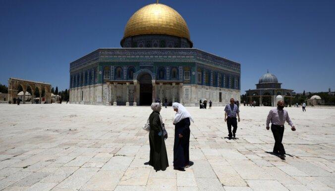 Jeruzalemē pēc 70 dienu pārtraukuma atkal atvērts Al Aksas mošejas komplekss