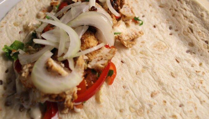 Foto recepte: figūrai draudzīgie vistas filejas kebabi