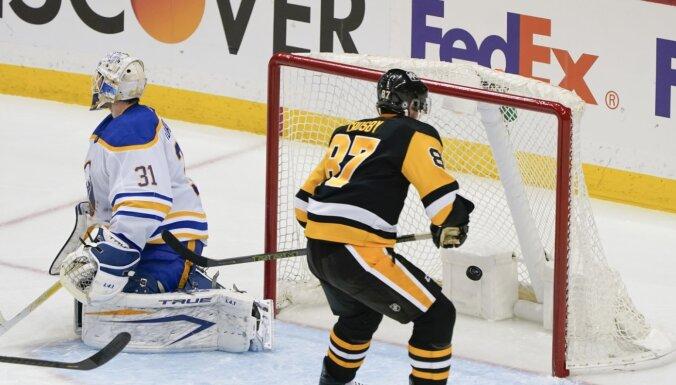 'Penguins' hokejisti pagarina 'Sabres' zaudējumu sēriju līdz NHL antirekordam