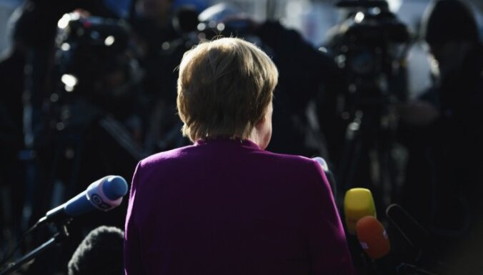 Vācijas 'lielās koalīcijas' veidošana prasa 'sāpīgus kompromisus', norāda Merkele